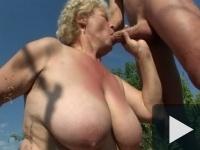 Nagymami szexre oktat