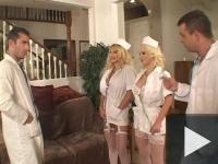 Shyla nővért móresre tanítják