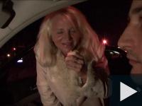 Viktória beszáll a taxis buliba