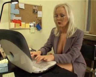 A Főnöknőm tudja mit akar!